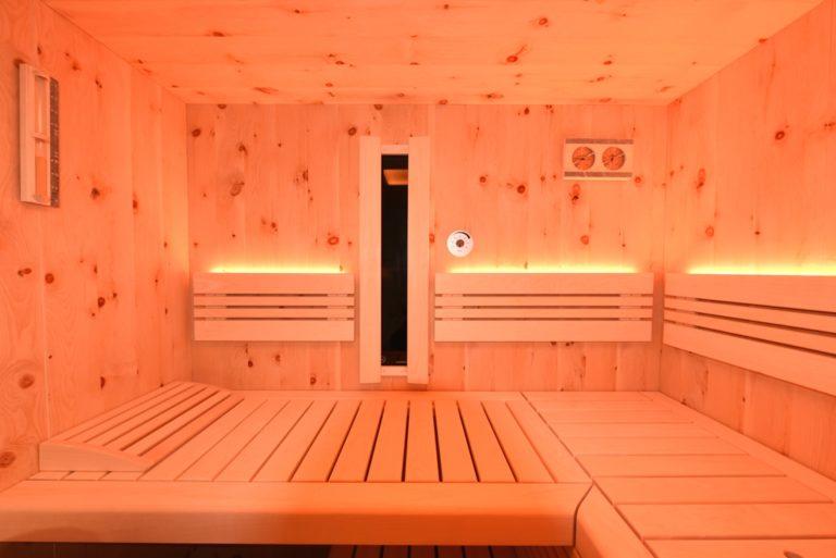 Zirbenholz in der Sauna