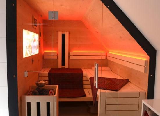 Sauna in einer Dachschräge